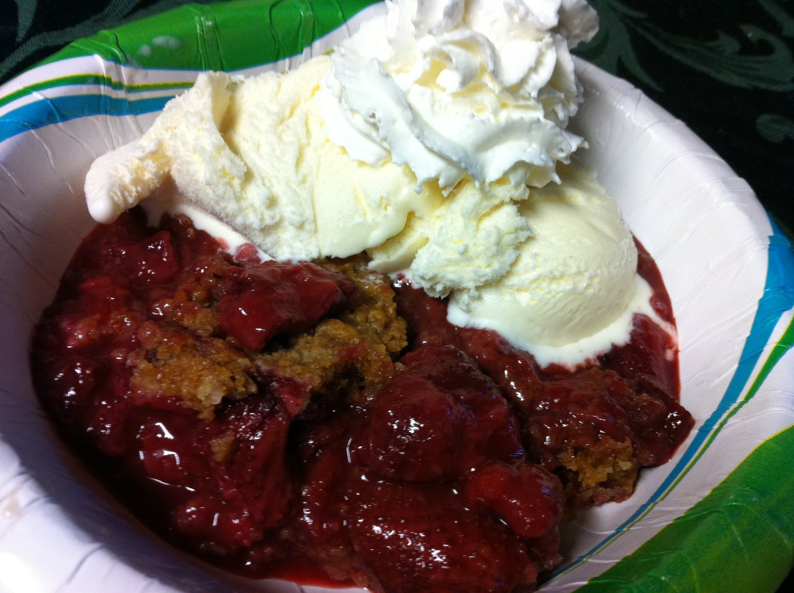 strawberry cobbler with ice cream